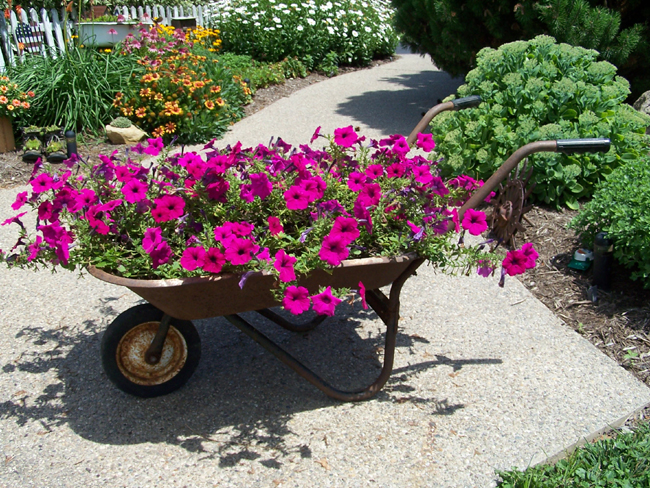 houzz wheelbarrow 01