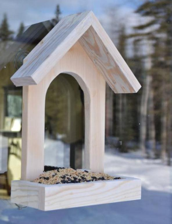 how-to-make-a-simple-bird-feeder-1