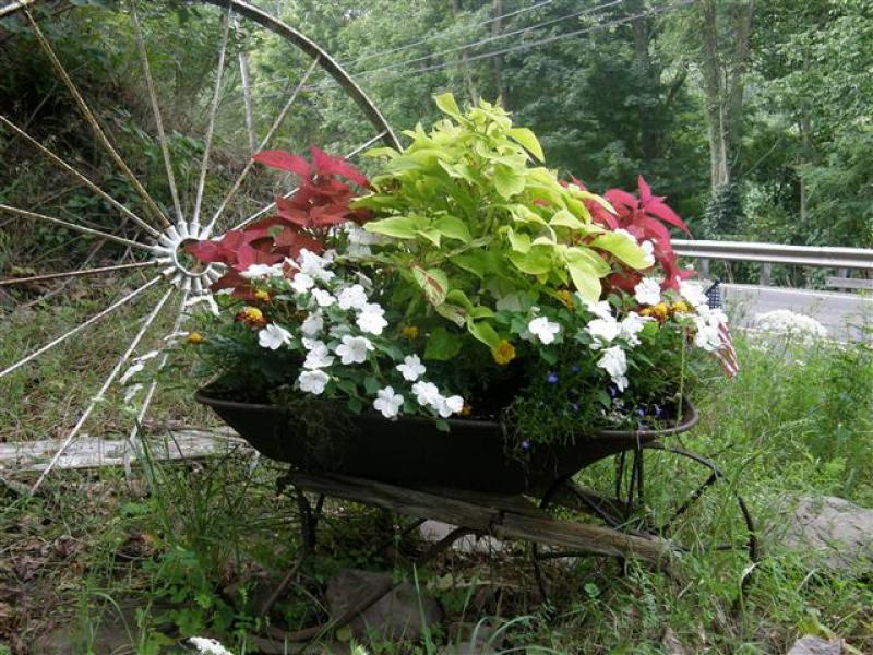 yardshare wheelbarrow 01
