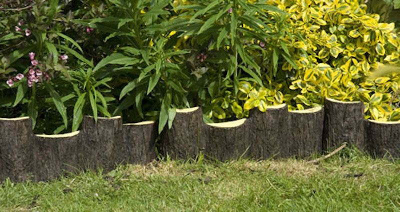 Beau These Semicircle Stumps Are At Staggered Heights, Adding A Little Character  And Style To The Edging Design. The Natural Look Is Capitalized On Here  With The ...