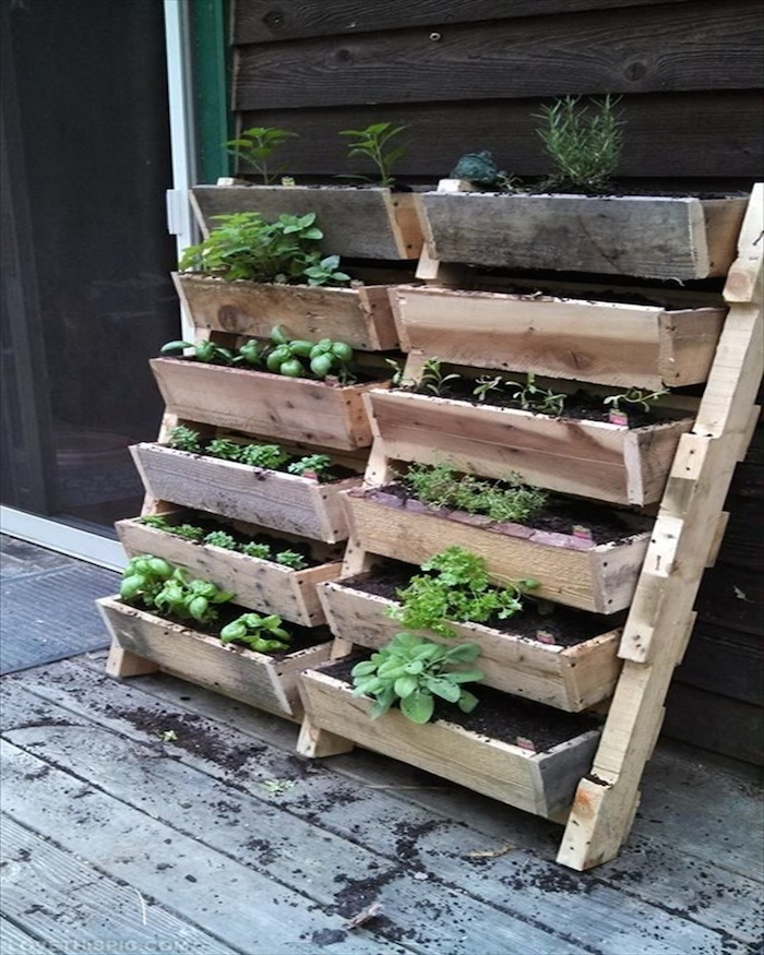 Diy Flower Gardening Ideas And Planter Projects: 15 Recycled Pallet Planter Ideas For A Unique Garden