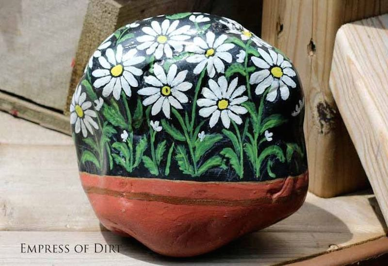 10 painted rock ideas for your crafty garden garden - Painting rocks for garden what kind of paint ...