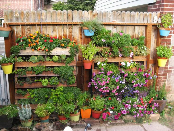 15 Recycled Items to Add Personality to Your Garden - Garden Lovers Club