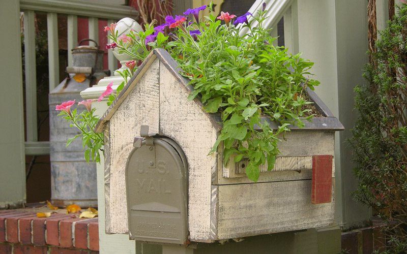 Wooden House Shaped Planter Mailbox Cover