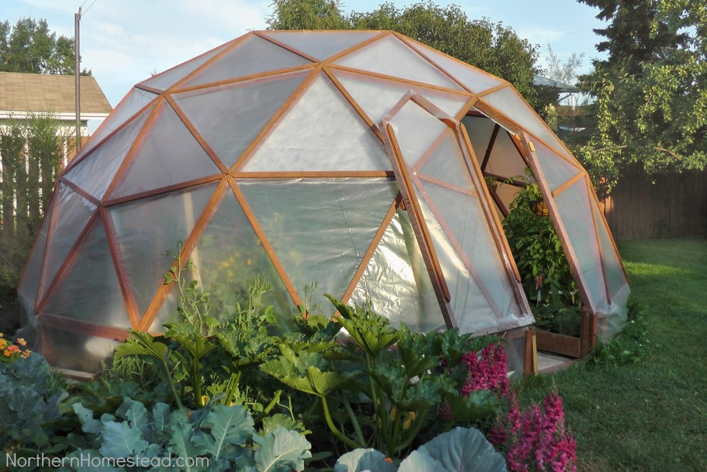 A surprisingly simple construction results in this futuristic looking greenhouse, based on Buckminster Fuller's famed geodesic dome designs. As the most efficient, strong shape for construction like this, the triangle-covered structure will house an enormous amount of plants and keep them warm and cozy all winter in arresting style.