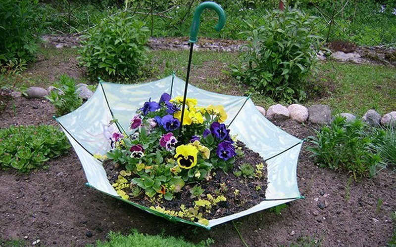 out-of-ordinary-garden-planters-11