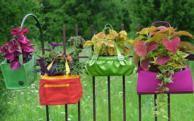 out-of-ordinary-garden-planters-19