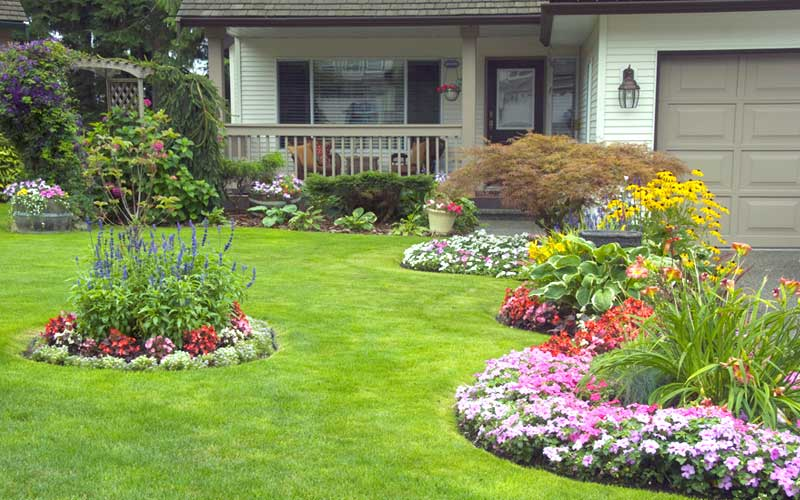 15 Landscaping Ideas For Front Yards - Garden Lovers Club
