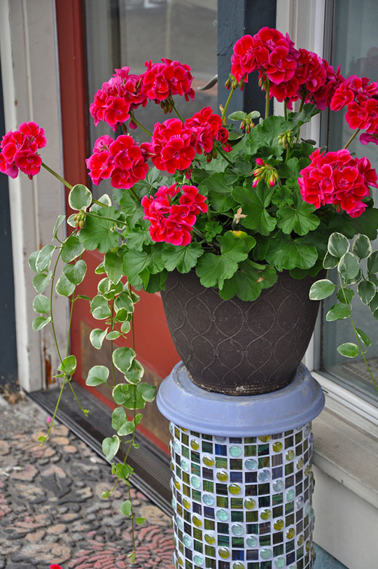 Mosaic Tile Cylinder Plant Stand
